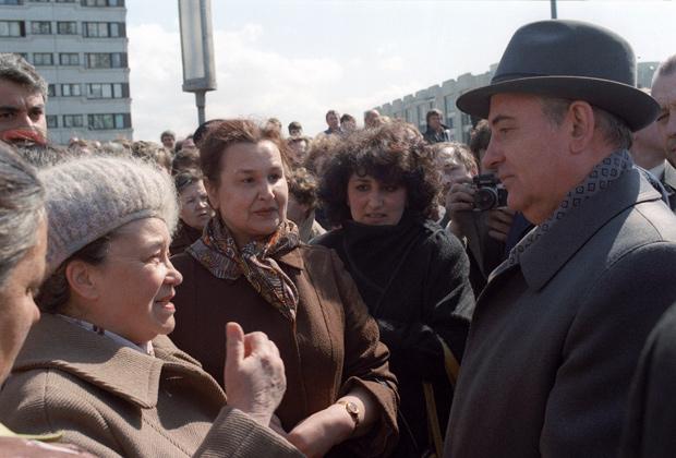 Поездка генерального секретаря ЦК КПСС Михаила Горбачева в Ленинград, 1985 год