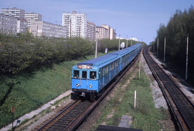 Наземный участок пути недалеко от станции «Измайловская» 1973 год