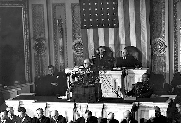Выступление Рузвельта в Конгрессе 7 января 1943 года. В выступлении он пообещал победу союзников над державами Оси, возможно, уже в 1944 году