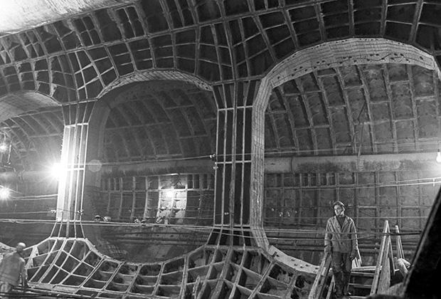Строящийся вестибюль станции «Пушкинская», 1974 год