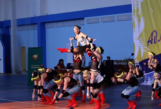 техникой крымская федерация акробатического рок-н-ролла говорит!!!! Так