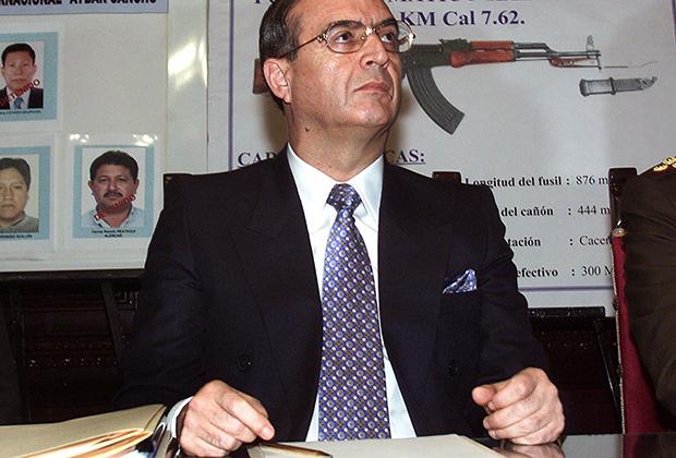 Владимиро Монтесинос — советник перуанского президента Фухимори, 2000 год
