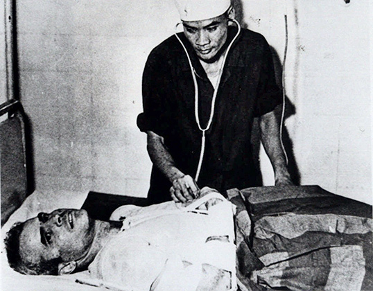 Джон Маккейн во вьетнамском плену. 1967 год