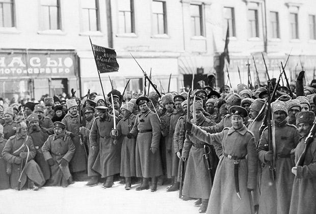Солдаты в дни Февральской революции в Петрограде