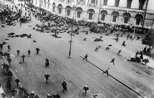 Расстрел войсками Временного правительства мирной демонстрации в Петрограде, июль 1917 года