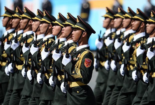Парад войск китайской армии на Красной площади в Москве в честь 70-летия победы