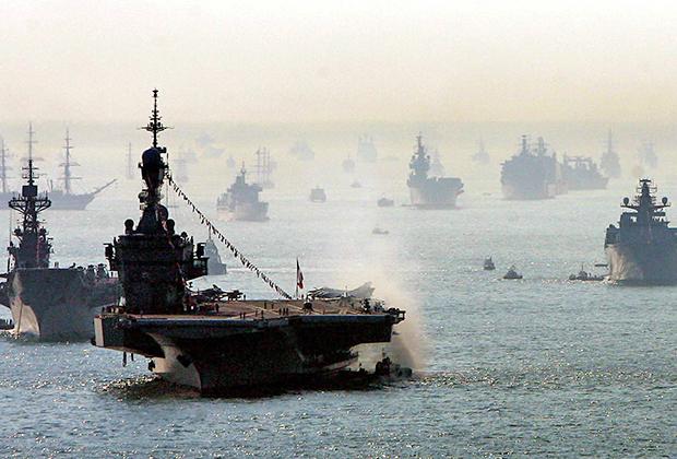 Смотр кораблей Королевского флота (2005)