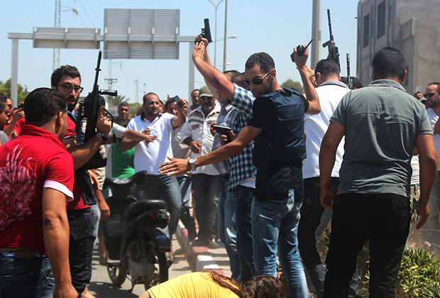Охрана у тунисского отеля