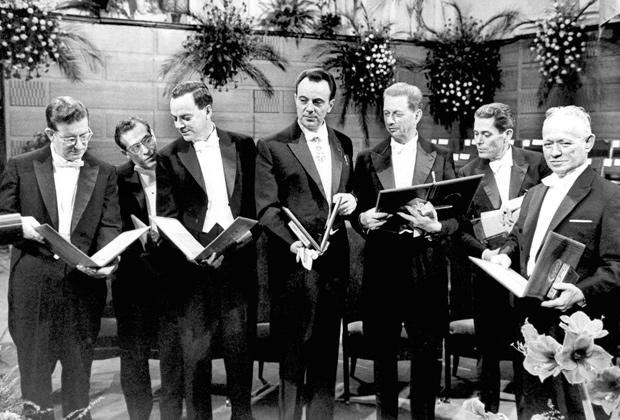 Нобелевские лауреаты, Стокгольм, декабрь 1965 года. Крайний справа— Михаил Шолохов