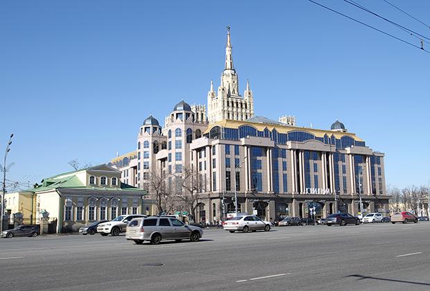 Торгово-деловой центр «Новинский пассаж»