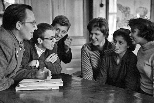 Студенты вуза после лекции, 1962 год