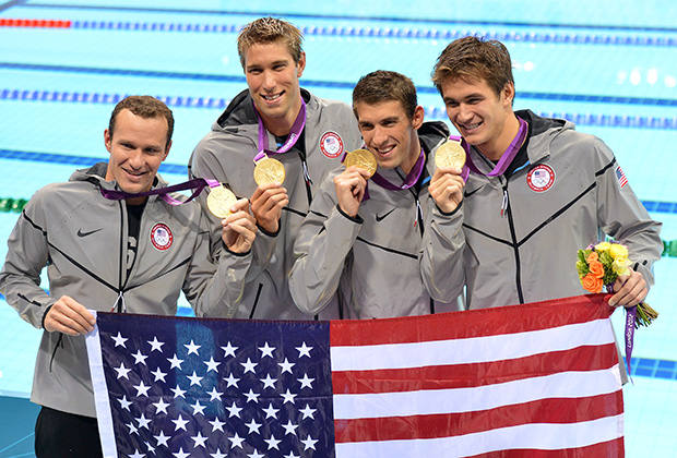 Золотая сборная США, выигравшая комбинированную эстафету 4х100 м в Лондоне-2012