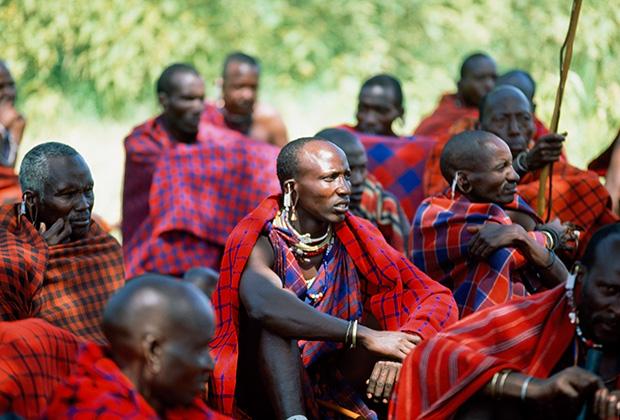 Собрание членов племени масаи