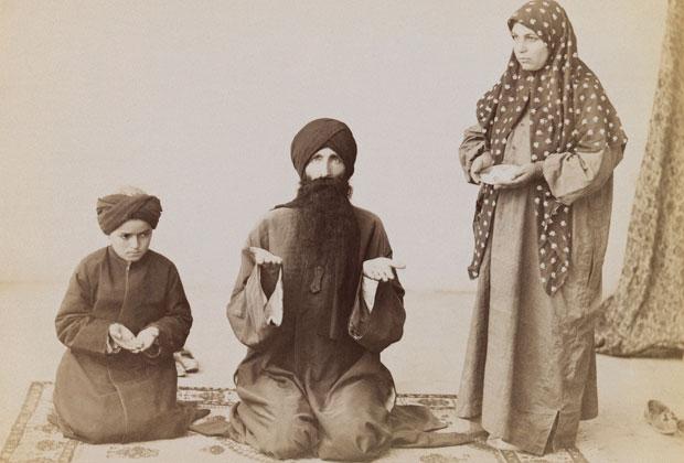 Молитва в шиитской семье