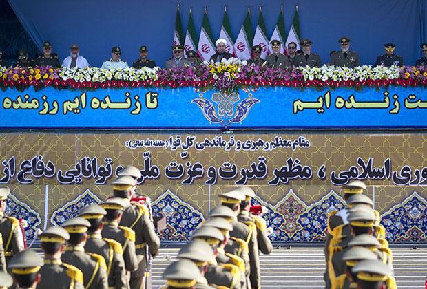 Иранский военный парад в апреле 2015 года