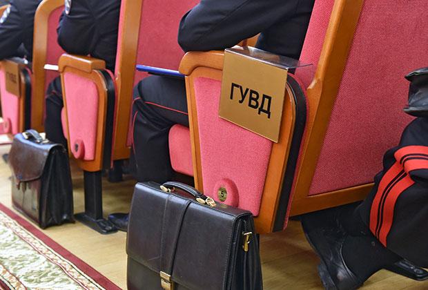 Скандал с задержанием трех сотрудников отдела по борьбе с оргпреступностью может обернуться увольнениями в руководстве МУРа