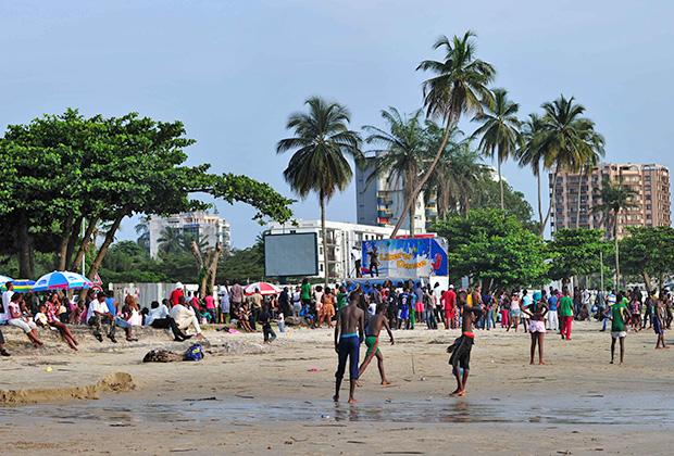 Пляж в Либревиле