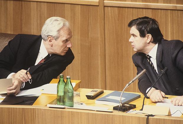 Руслан Хасбулатов (справа) и Сергей Филатов