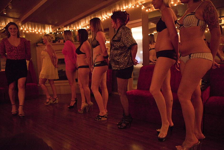 Красивые голые смотреть фото актрис в порнофильме вилла любви