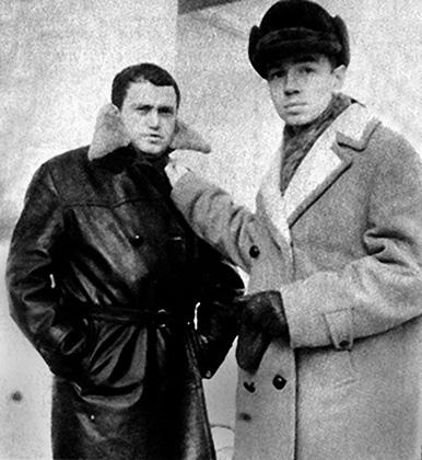 С Андреем Вознесенским. Конец оттепели. 1963 год
