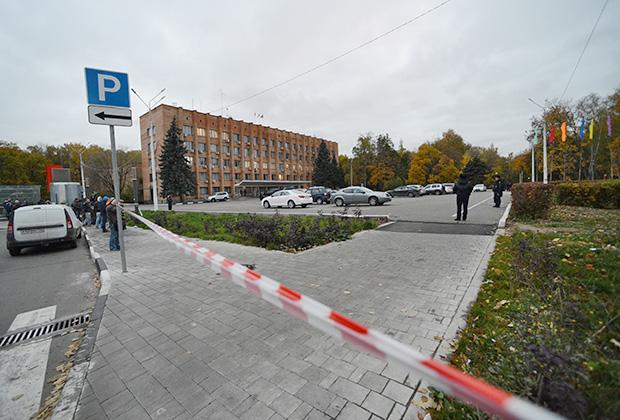 Здание городской администрации подмосковного Красногорска, где 19 октября был убит первый заммэра Красногорска Юрий Караулов