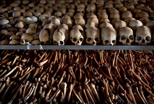 Черепа жертв руандийского геноцида