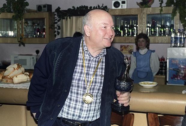 Председатель Мосгорисполкома Юрий Лужков, 1990 год
