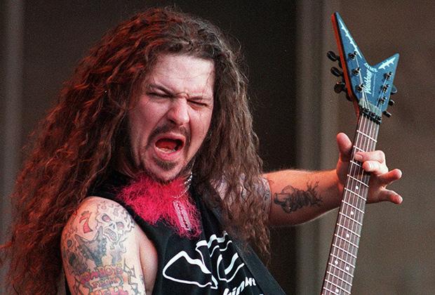 Бывший гитарист метал-группы Panterа Даймбэг Даррелл был застрелен на сцене во время концерта.
