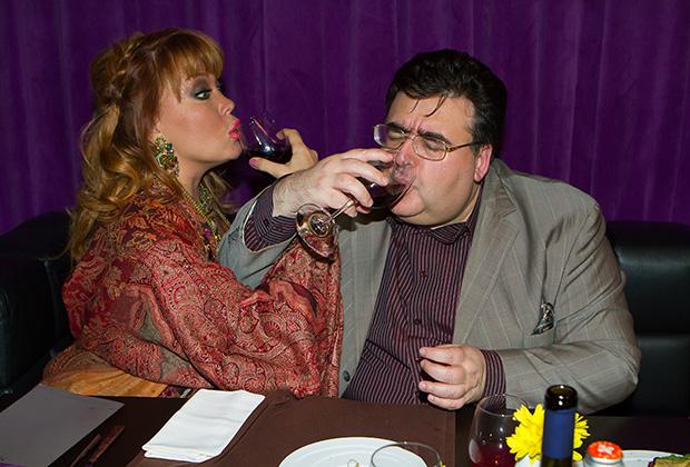 Алексей Митрофанов на девичнике певицы Азизы в ресторане Muzey