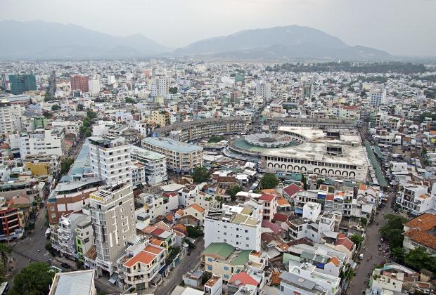 Нячанг — современный город с кипящей ночной жизнью