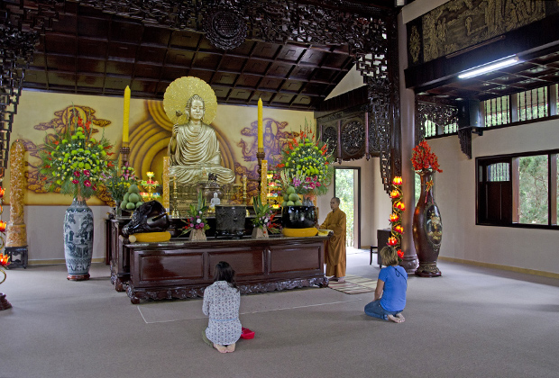 Во Вьетнаме непременно стоит посетить буддистские монастыри
