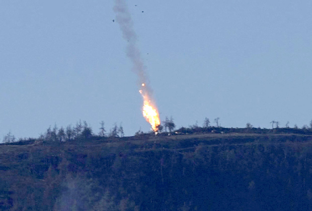 Падение бомбардировщика Су-24М, сбитого турецкими самолетами