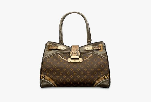 Сумка Monogramissime Exotic Shopper GM с отделкой из кожи аллигатора и питона, Louis Vuitton. Эстимейт 6482-9075 долларов.