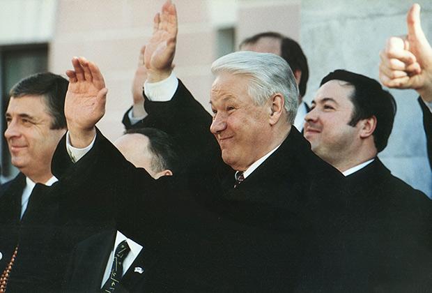 Управляющий делами президента России Павел Бородин и президент России Борис Ельцин, 1998 год