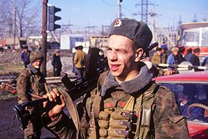 Бойцы МВД РФ в дни осетино-ингушского конфликта 1992 года