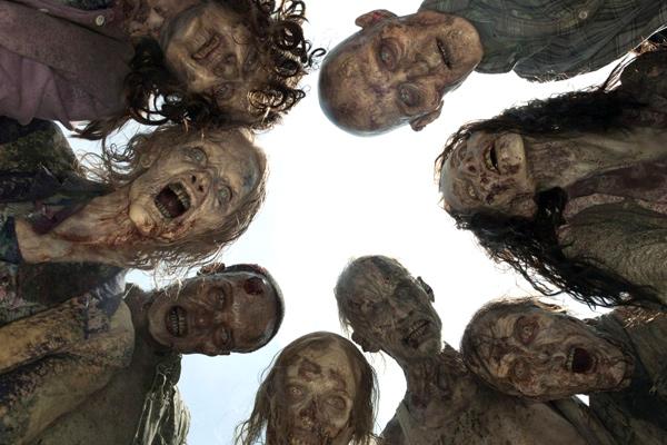Ходячие мертвецы, зомби и вампиры не уходят со страниц книг и киноэкранов