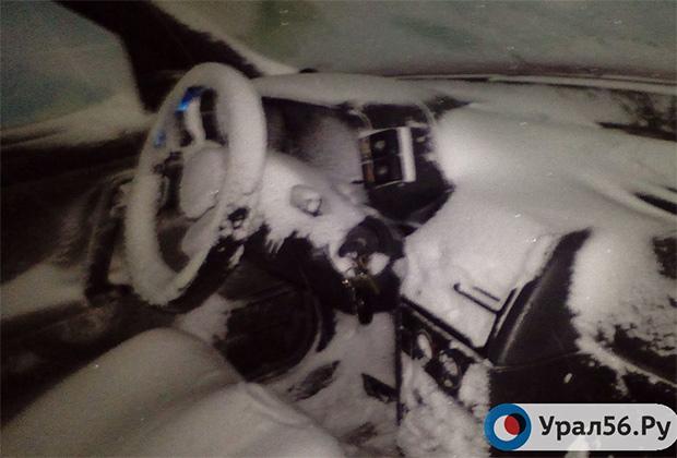 После того, как в машине заканчивался бензин, салон очень быстро превращался в морозильник