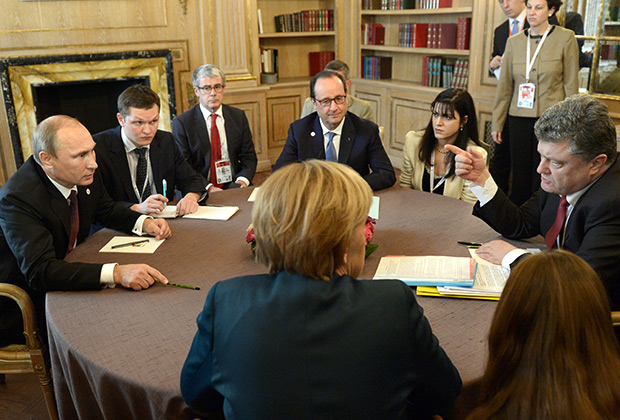 Ангела Меркель и Франсуа Олланд — придерживаются крайне консервативной линии по отношению к Владимиру Путину