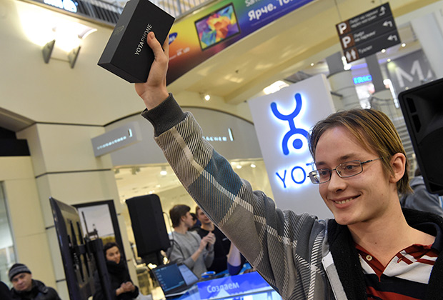 Старт продаж смартфона YotaPhone 2
