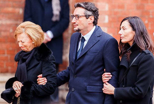 Мария Франка Фиссоло (слева), на похоронах супруга в 2015 году