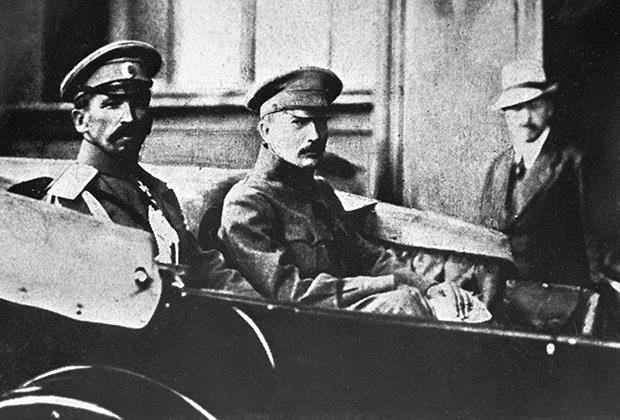 Генерал Лавр Корнилов и лидер партии эсеров Борис Савинков, 1917 год