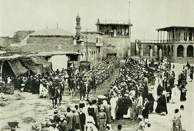 Сэр Фредерик Стэнли Мод ведет индийскую армию на Багдад