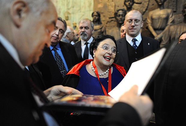 Мария Владимировна на церемонии награждения скульптора Зураба Церетели Императорским орденом Св.Анны