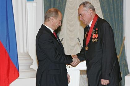 Президент России Владимир Путин (слева) и Геннадий Денежкин
