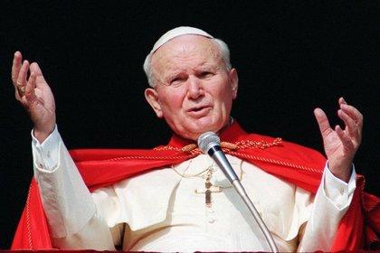 Иоанн Павел II в 1996 году