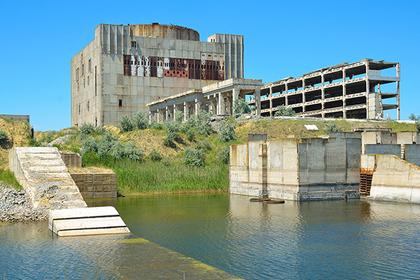 Вид на разрушенный энергоблок Крымской АЭС