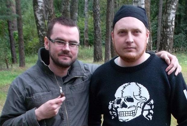 Амир Хамдани (Григорий Мавров), слева