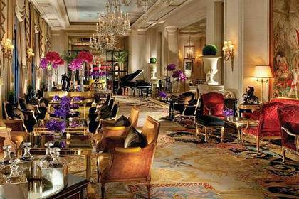 Отель Four Seasons Hotel George V