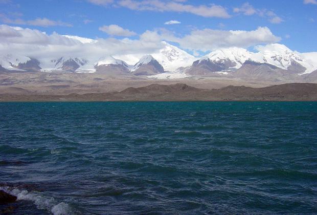 Озеро Каракуль на китайском Памире