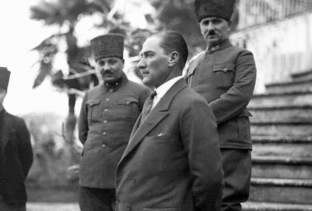Мустафа Кемаль Ататюрк, первый президент Турции, 1923 год